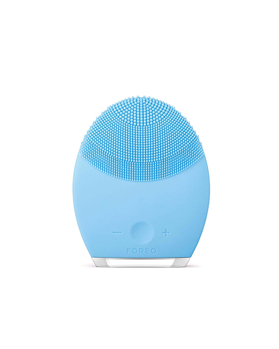 Foreo-Luna-cleaning-brush